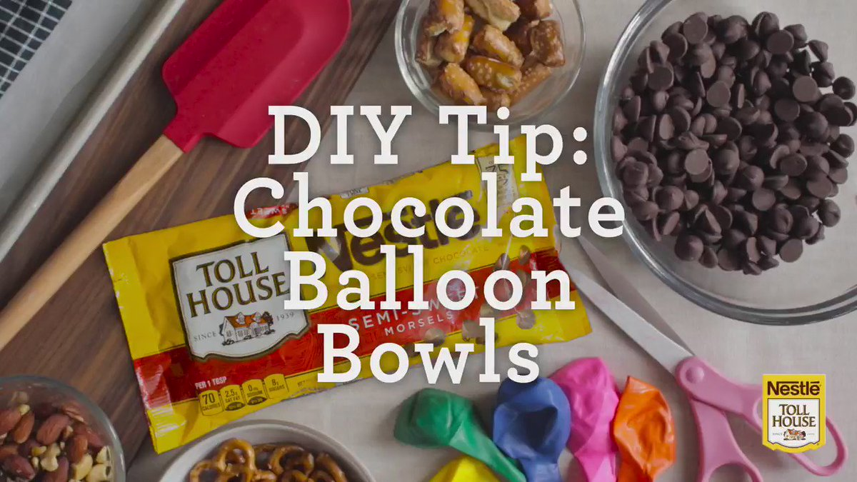 Created these delicious and cute Chocolate Bowls for @NestleTollHouse. Fill 'em with your favorite snacks! #ad https://t.co/byzOWuS8u0