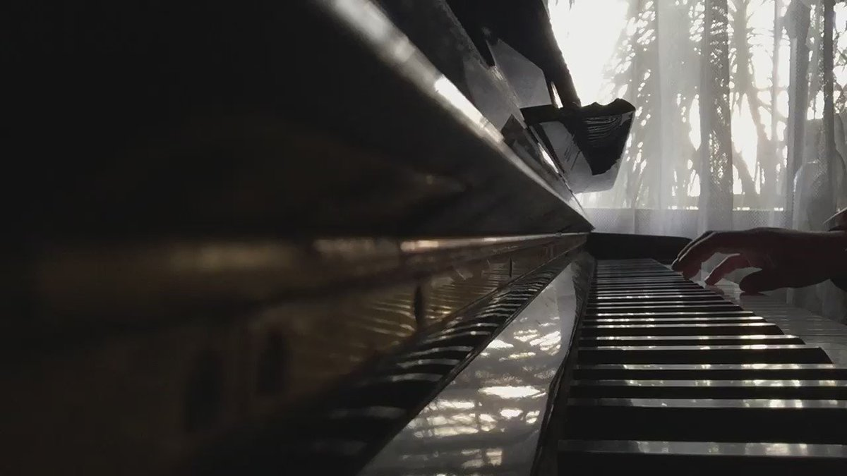 烈車合体!トッキュウオーを弾きました。トッキュウオーが出てくる時の曲なので伝わりにくそうな気もするけど、この曲かっこいいよね…   #ピアノ #nitiasa #トッキュウジャー