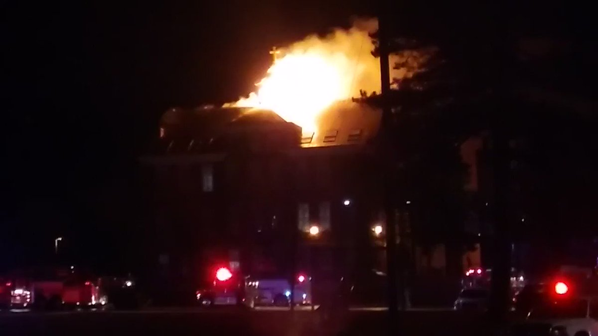 Video of this morning's blaze on campus of Loras College, courtesy of John Whoelse Raduns https://t.co/lqIdxALIzN https://t.co/BZucYNf6Iv