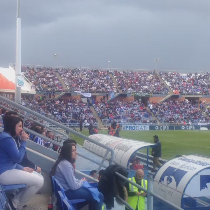 Sin palabras. Viva el fútbol y sus aficionados. #ElDecanoNoSeRinde https://t.co/qIuQoqcMoC