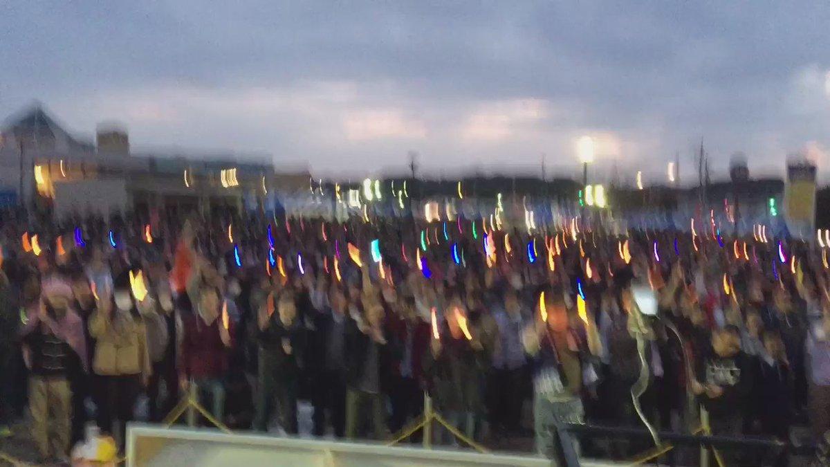 数千人の前でストライクウィッチーズをかけさせていただいた映像です、ご来場の皆様ありがとうございます!!!!!!!!  #海楽2016 #garupan #oarai https://t.co/F6XimDYe9A