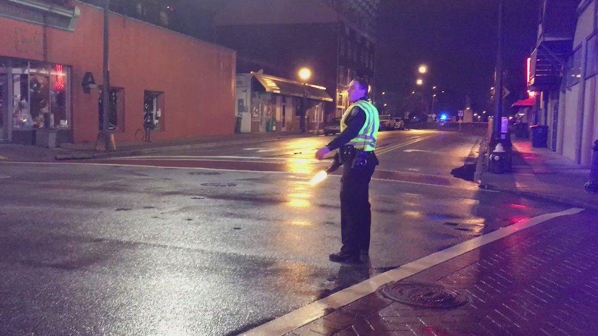 BREAKING: #Greensboro police evacuate downtown after a loud explosion. Several streets have been closed. https://t.co/9LCxYrYTov