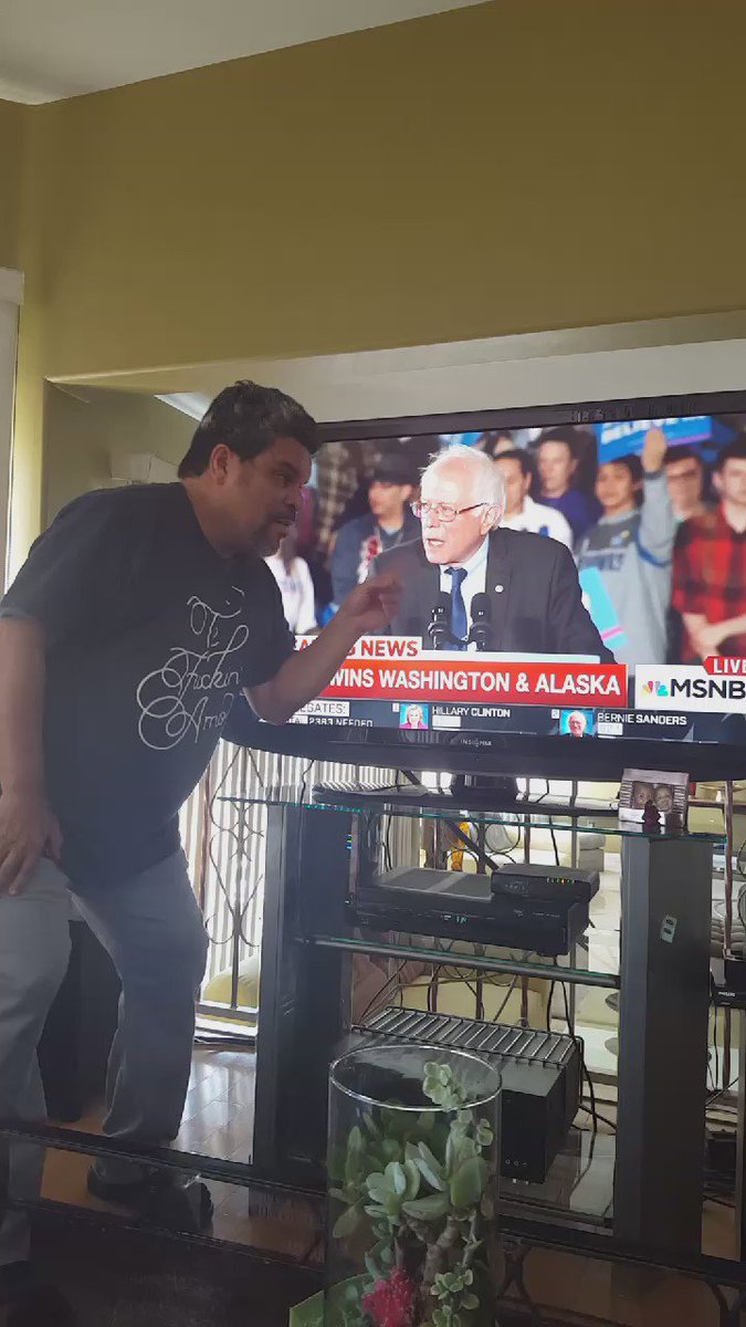 The Bern is Real...#FEELTHEBERN @BernieSanders People Stand Up!!!! https://t.co/7uMG3kZKIm