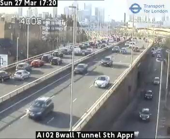 South of the river isn't immune to @LittleMix Black Magic - queues over the Woolwich Road flyover northbound [ro] https://t.co/uTvi7ZTRux