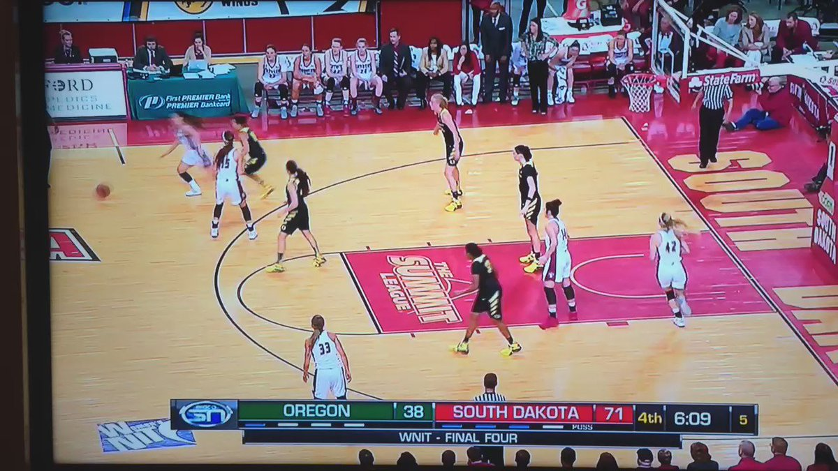 Quite the shot. RT @vermillionsd: No way!!!! #GoYotes @SDCoyotesWBB https://t.co/cijPLQ1pZi