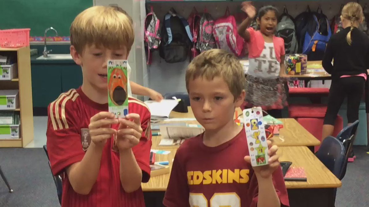 Students sharing their reading bookmarks! <a target='_blank' href='http://search.twitter.com/search?q=twitterchoice'><a target='_blank' href='https://twitter.com/hashtag/twitterchoice?src=hash'>#twitterchoice</a></a> A3 <a target='_blank' href='https://t.co/KTNe96gNra'>https://t.co/KTNe96gNra</a>