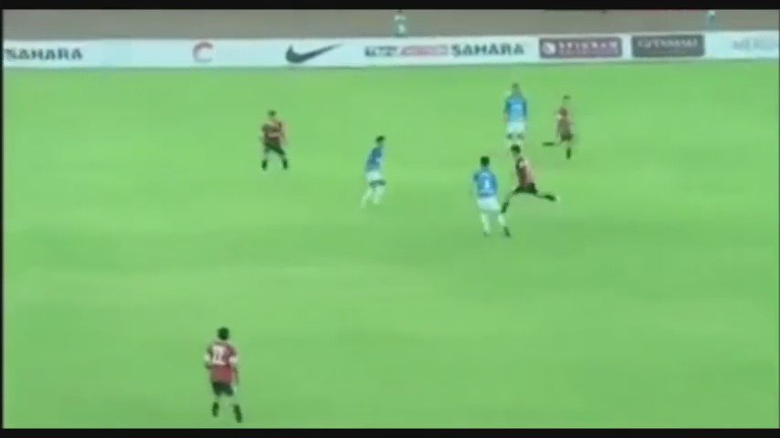 Here's @imVkohli over the top through ball to @msdhoni who finishes it in typically cool way. Great goal. https://t.co/ANIzxmzzBm