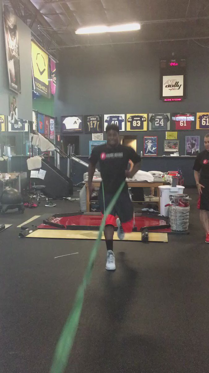 @MylesJack getting better everyday @Fischer_Inst today #BeastMode @nfldraftscout #NFLDraft @OctagonFootball https://t.co/TSe4v0UAOW