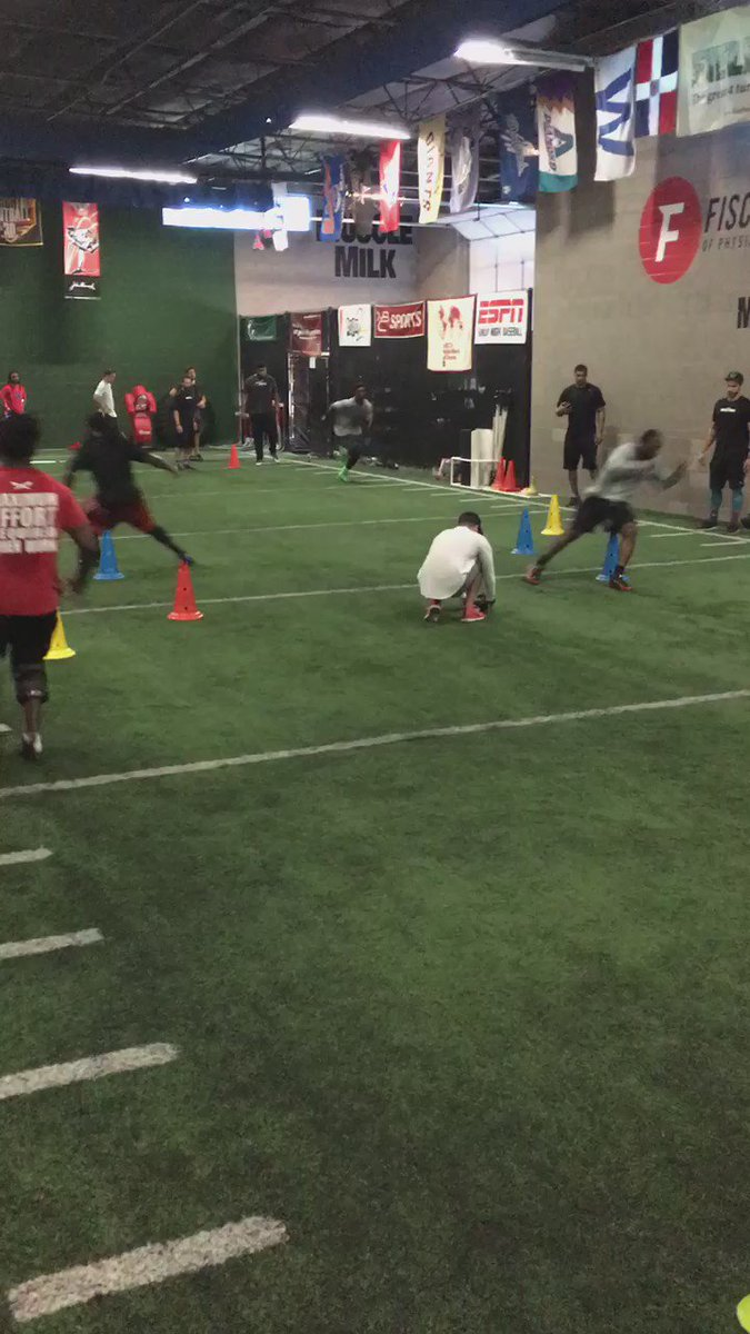 @MylesJack getting early #NFL training by chasing @CutonDime25 LeSean McCoy @Fischer_Inst ! #Heisback #NFLDraft https://t.co/2nGntPsBm0