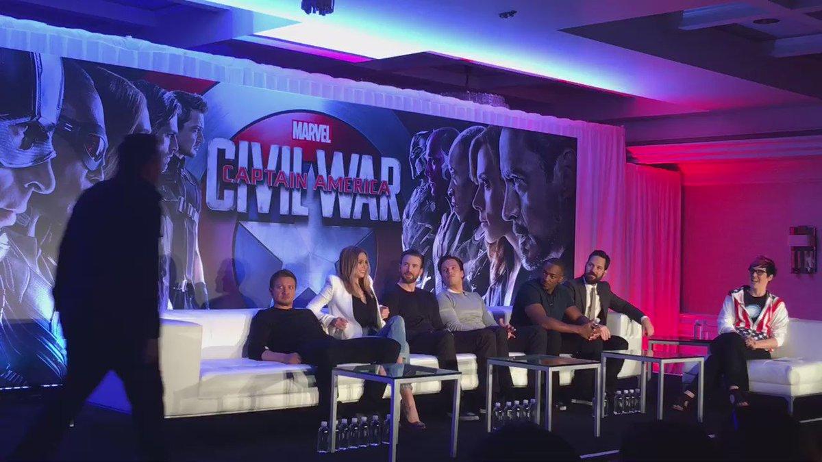 Welcome Team Captain America! #TeamCap #CaptainAmericaCivilWar #TeamCaptainAmericaEvent @CaptainAmerica https://t.co/mCnlVEpj0d