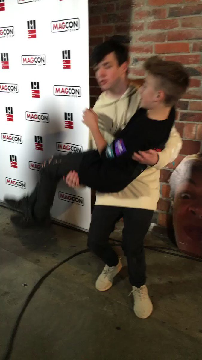Magcon updates on twitter aaron carpenter casually flipping johnny magcon updates on twitter aaron carpenter casually flipping johnny orlando at the meet and greets for magconseattle httpstfekcoc29t4 m4hsunfo