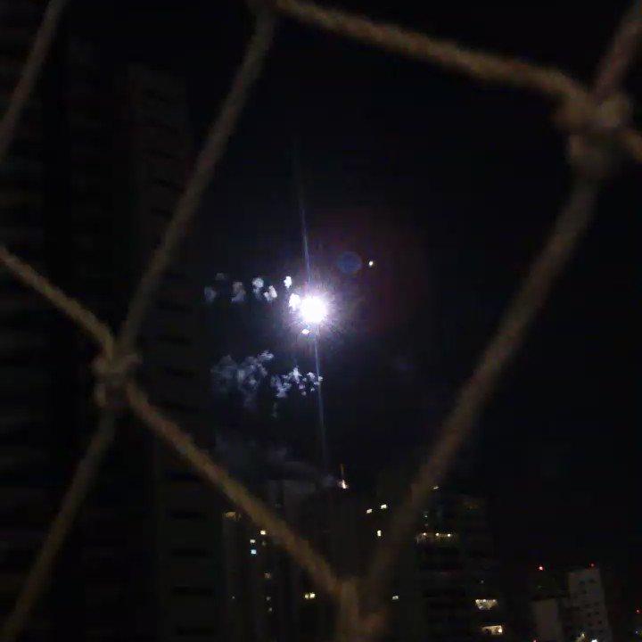 Do alto de um prédio aqui no Campo Belo soltaram fogos! Me senti numa final de Copa do Mundo. #TchauQuerida https://t.co/YxNrYChg2i