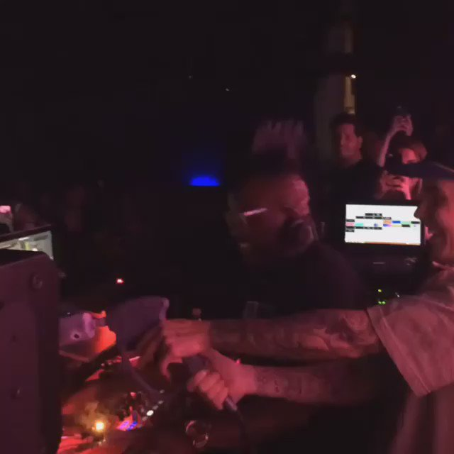 .@JustinBieber in our @UndergroundChi DJ booth last night on the mic spraying crowd with CO2 gun! https://t.co/GZ1cBhflCE
