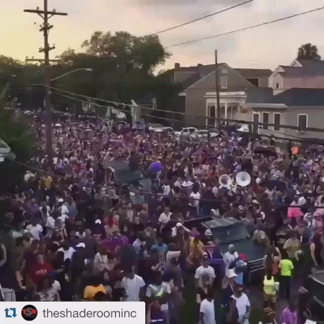 #Prince Second Line Going on right now in New Orleans! Prince love far from #twincities Video by @theshaderoominc https://t.co/gfrzCKZo3l