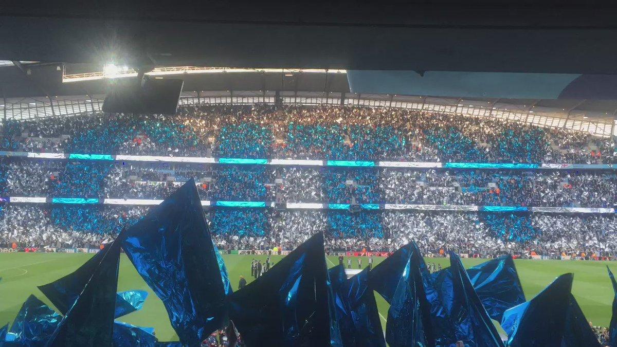 Así se prepara la afición del Manchester City para recibir al Real Madrid. #UCL #HeyJude https://t.co/mEjb6C48Ec