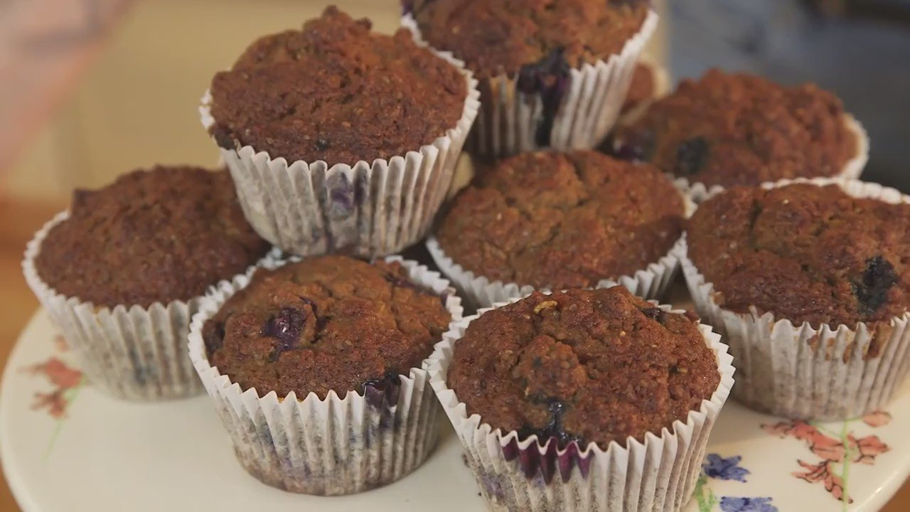 RT @PrettyUpfront: .@JesseWood approves, @Fearnecotton's blueberry muffins are DELISH! Try them out yourself: https://t.co/bF953fsTg2 https…