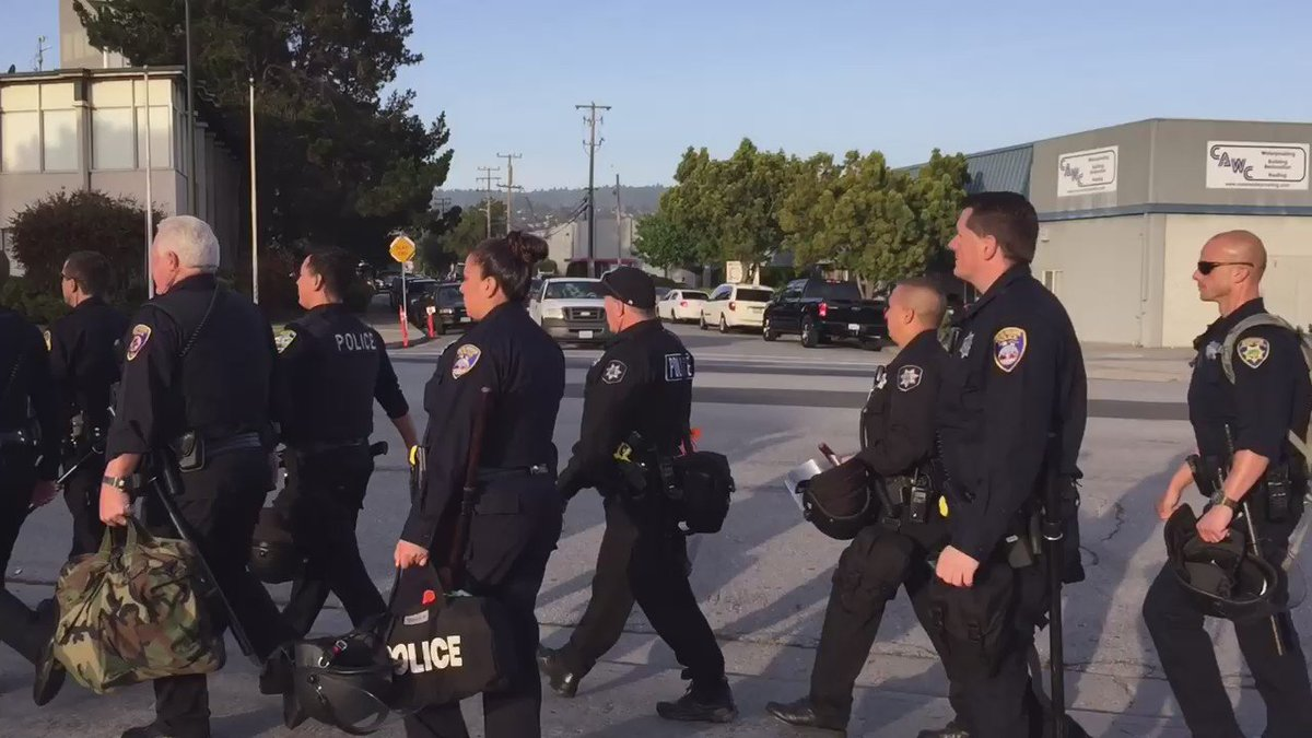 Police & deputies mobilize for 100's of protestors expected outside DonaldTrump noon time speech in Burlingame