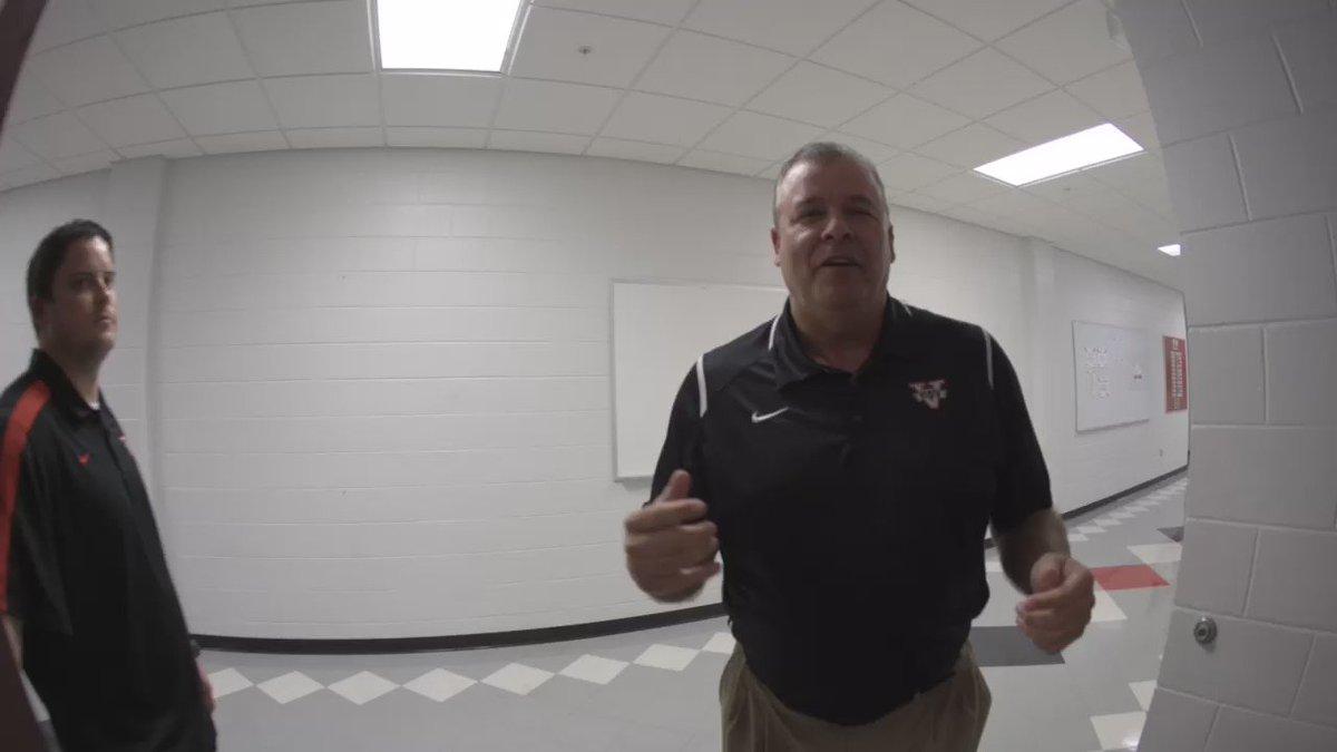 Well our locker room tour with Coach Bell didn't go as planned... #BlazerNation #ValdostaState #RunningManChallenge https://t.co/2c684CggQQ