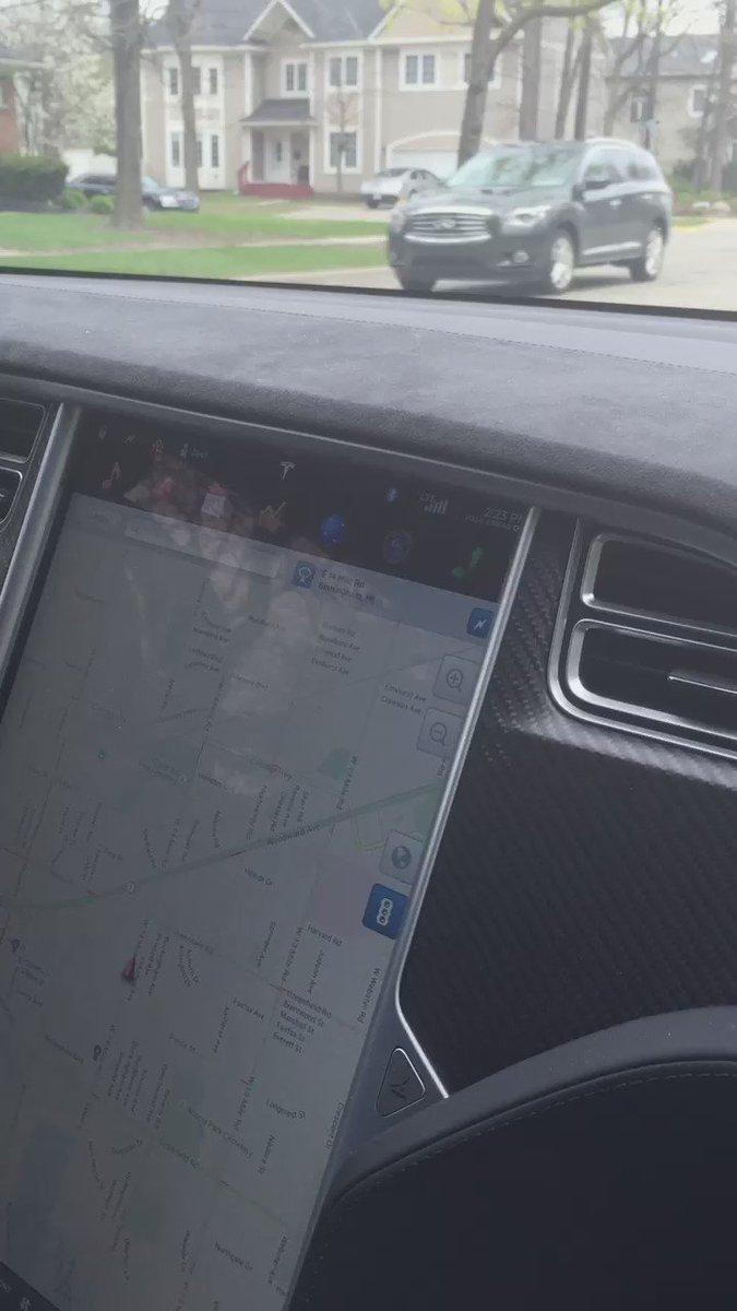 Tesla $TSLA model X auto drive.  Mobileye.  $mbly https://t.co/V1MEE0S7YP