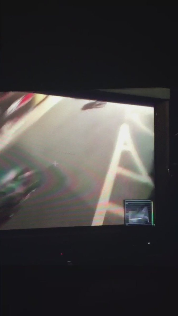 Nightmare crash at Red Hook Crit as race moto stalls. https://t.co/2R2mBgCynZ