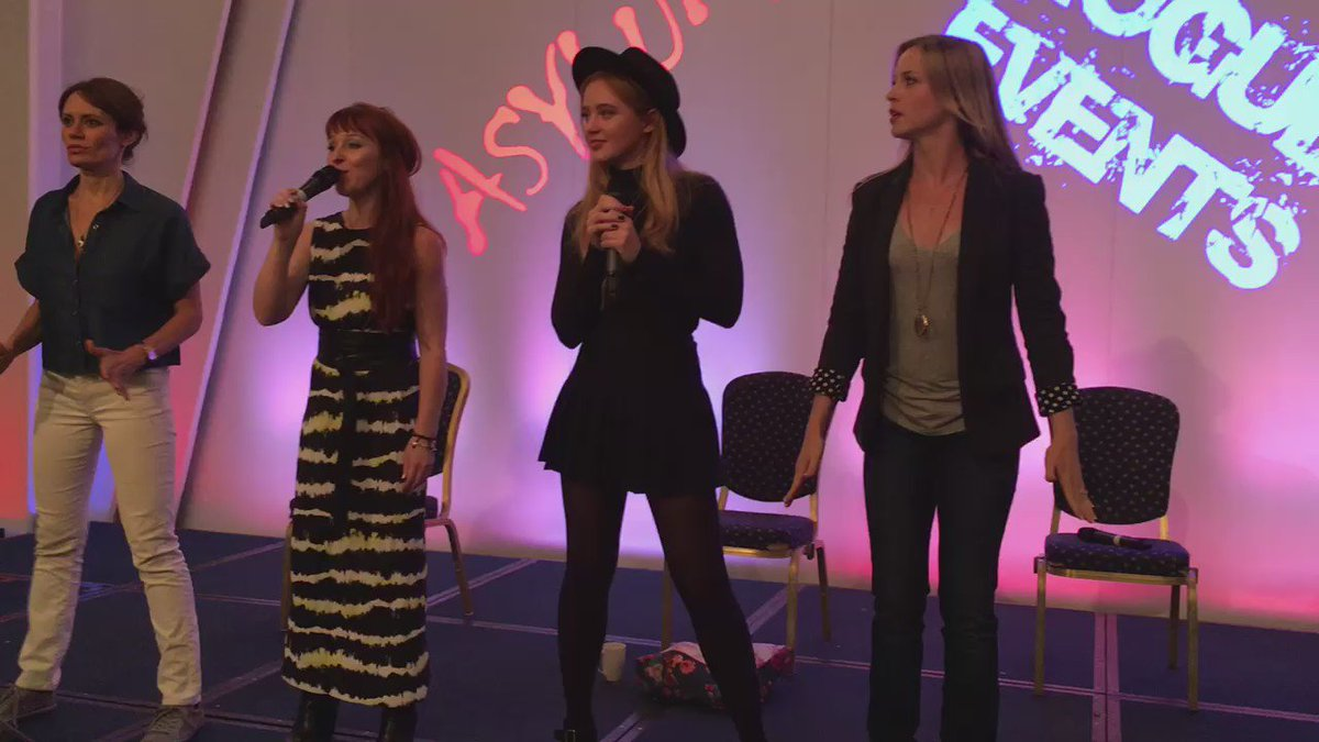 @RuthieConnell and her backup dancers @bigEswallz @KathrynLNewton Destined for stardom! #asylum16 https://t.co/7Y32yeufyj