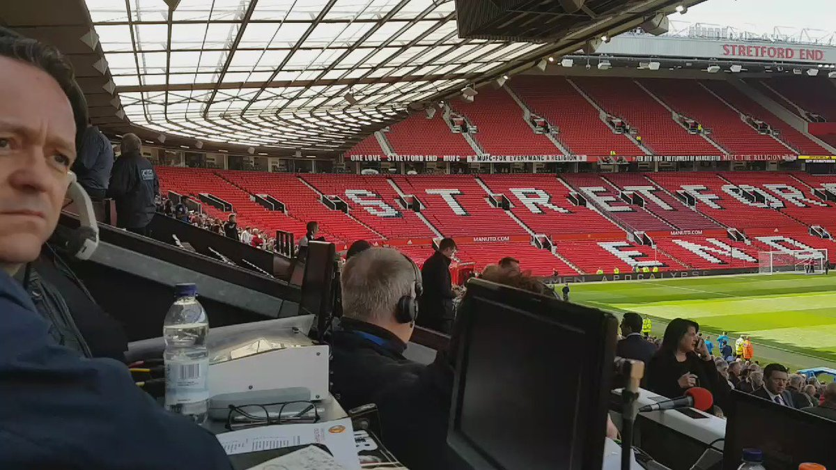 Half of Old Trafford has been evacuated ahead of Manchester United's game against Bournemouth. #mufc #bbcfootball https://t.co/mKF5fb6QNM