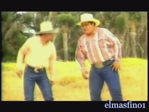 Here you go! That famous shuffle we would all dance on cue and channel our inner Raulito. #EmilioNavaira #RIPEmilio https://t.co/bpNQSFZOM4
