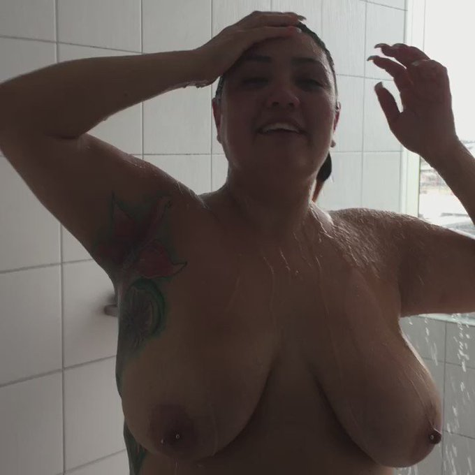 So funny, seeing the guys walk passed my shower window while I'm in here. ? #perving #tits #TittyTuesday