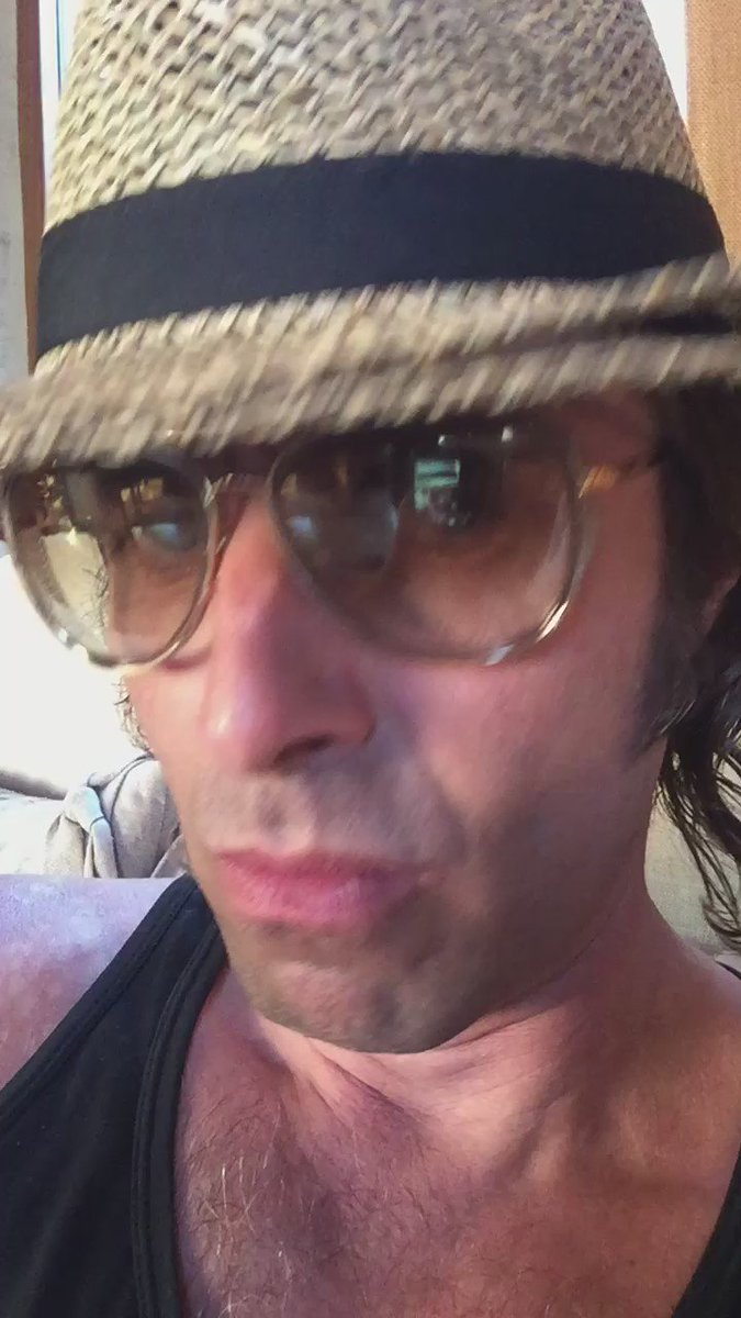 """Liam Gallagher on Twitter: """"https://t.co/DEfAUGqMts"""" Liam Gallagher Twitter"""