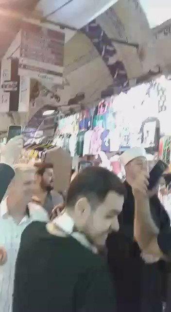 Kapalıçarşı'dan arkadaşım yolladı şimdi Fenerbahçe'nin tabutunu taşımışlar çarşının içinde sjifksşdkşdkdşdks https://t.co/n4wB9hmzdE