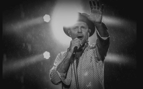 All my respect, admiration and love, Leslie. #gorddownie #thetragicallyhip https://t.co/XjssVCIa7K