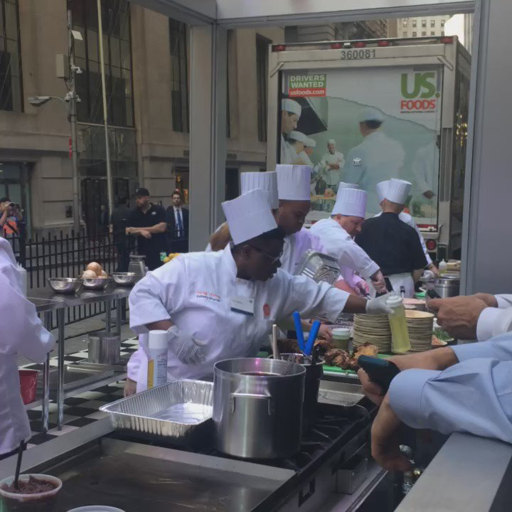 Outside @NYSE w/@usfoods and a bunch of chefs https://t.co/RrRTqcuDzS