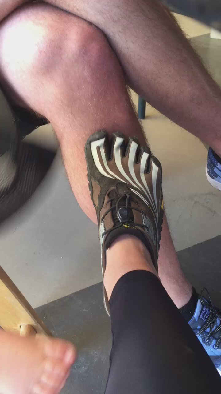 Playing footsie and he loves it. 😉 https://t.co/qCrkNmL3RS