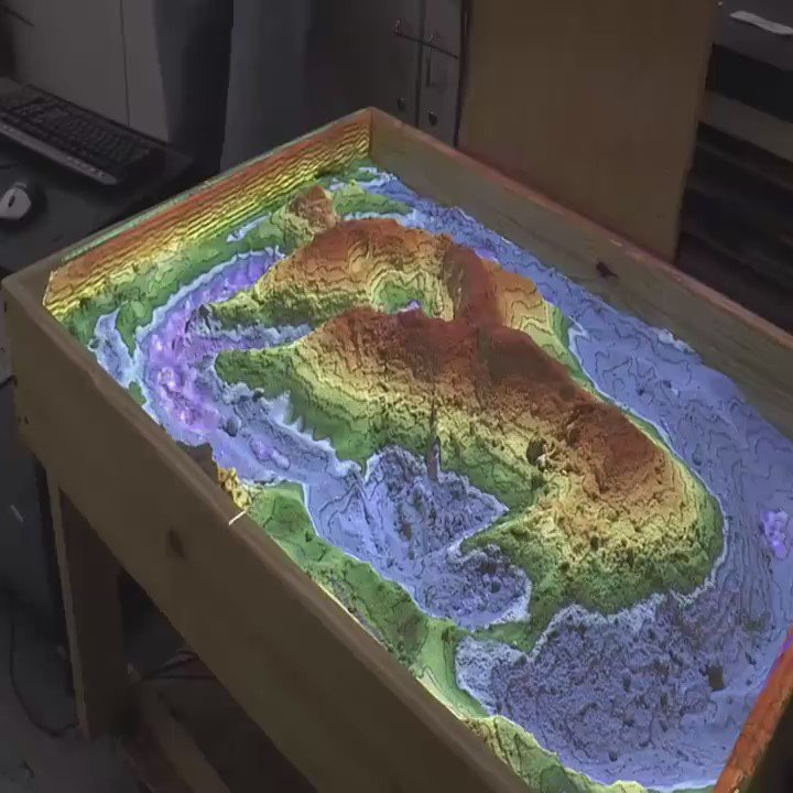 Awesome real time geomorphology. This Augmented-Reality sandbox is one of the coolest things I've seen   https://t.co/jHEmlAy12D