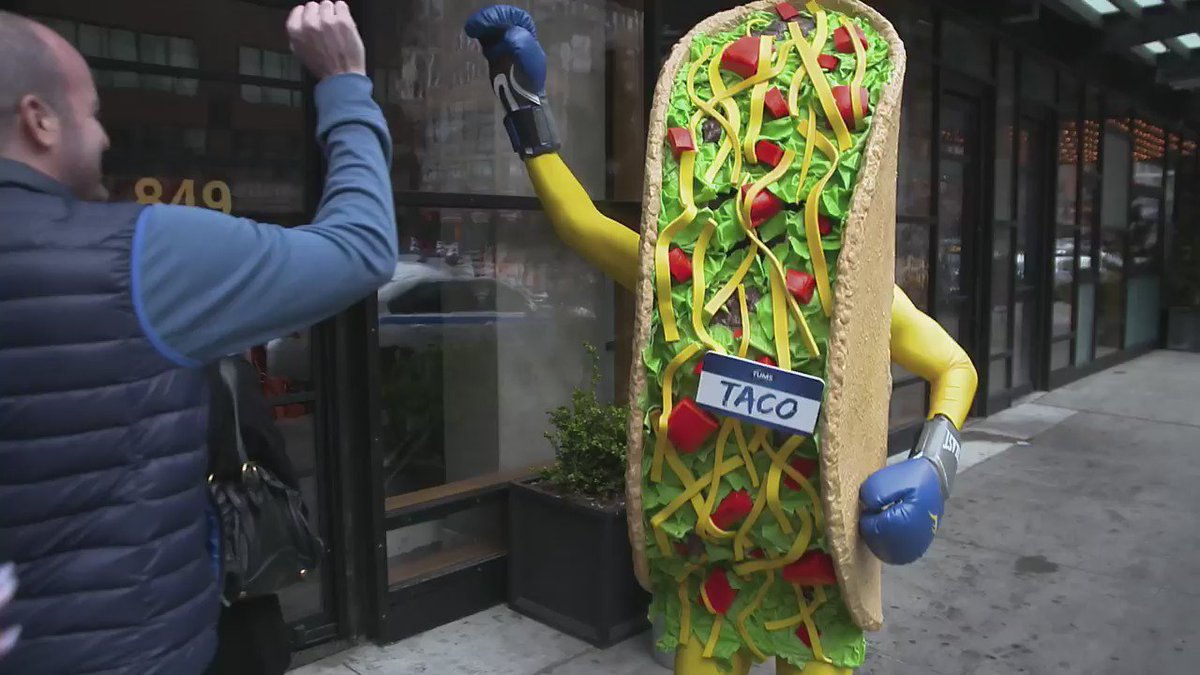 TFW you're a taco at @Thrillist's Taco Knockout. – Taco https://t.co/XFn782yFGX