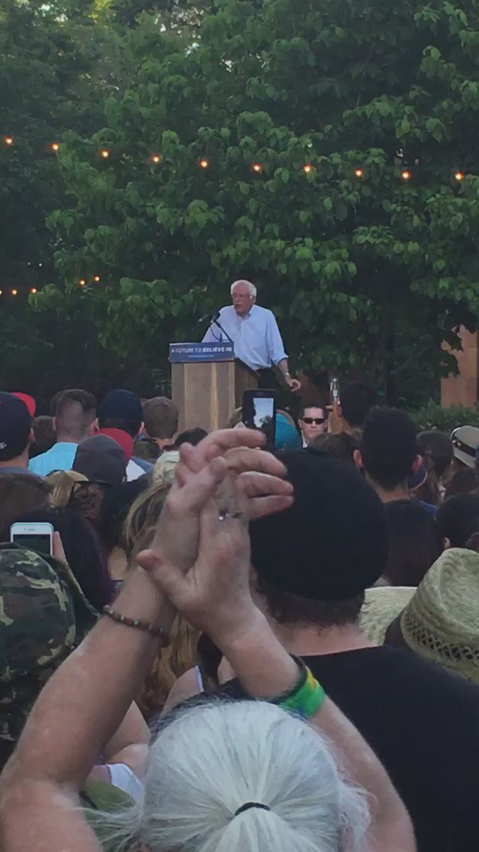 ".@BernieSanders on incarceration in the U.S.: ""We should all be ashamed"" #BernieInChico https://t.co/9fJfBJV8JZ"