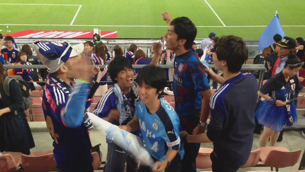 試合後に小林祐希チャントを歌うジュビロサポーター。  次は試合中にみんなで歌いたいな。  吹田での活躍期待してるぞ!!  #jubilo https://t.co/GZGDFyjuFq
