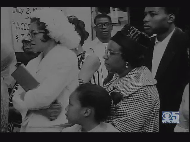 RT @CarlosMuhammad1: The Great Muhammad Ali Leaving A Packed Mosque #26 San Francisco, CA 1967 #NOIARCHIVES @BrotherJesse @brotherjamil htt…