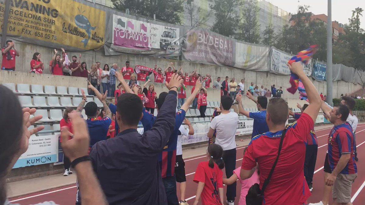 Les aficions del @CFGava_oficial i l'@ALMAGROCF s'aplaudeixen mutuament a l'acabar el partit. #ascens2B https://t.co/dahfG9IKCJ