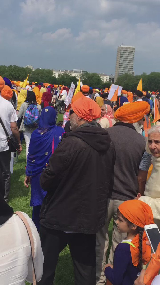 Thousands in the sangat for today's Freedom Rally in London #SikhGenocide84 https://t.co/3T17sSYN97