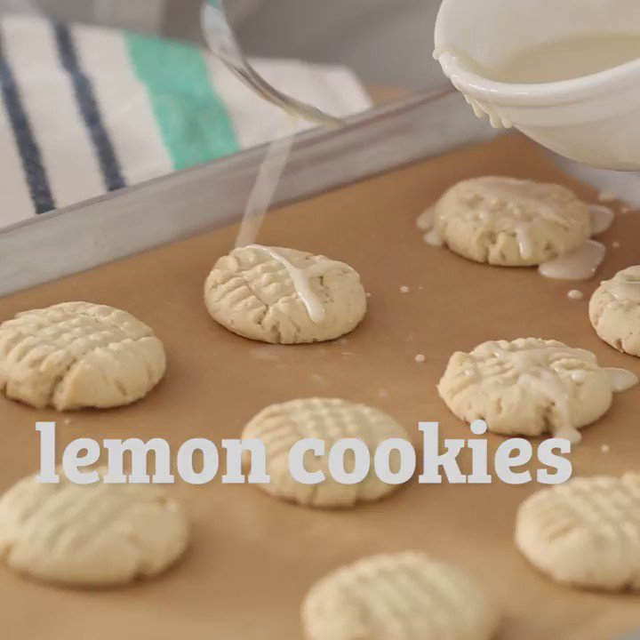 Chef Kendra's melt-in-your-mouth #lemoncookies are the go-to summer treat #glutenfreedessert https://t.co/CSPllOEAVr https://t.co/0q6jZTFhRS