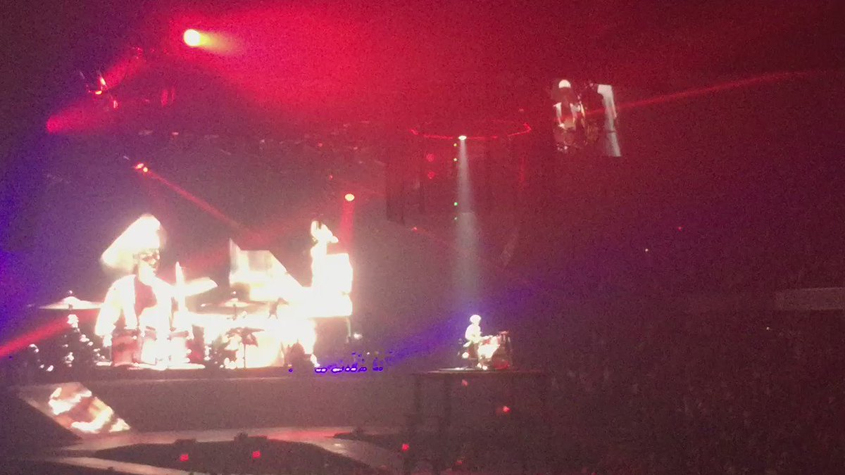 .@justinbieber drum solo!!! Could he be anymore talented?!?