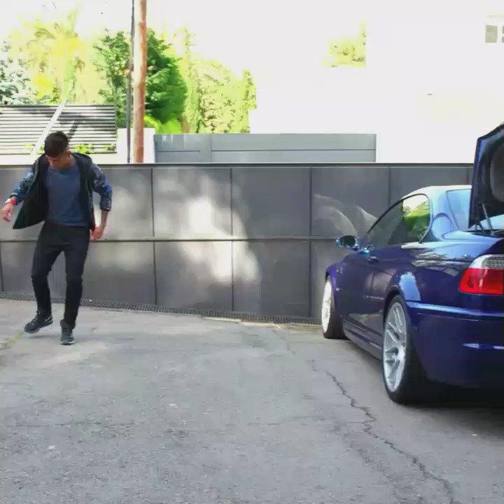 quand neymar range son ballon dans le coffre de sa voiture. Black Bedroom Furniture Sets. Home Design Ideas