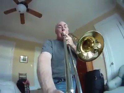 最近はやりの楽器にカメラをつけるやつ、トロンボーンでやるとかなり面白い説