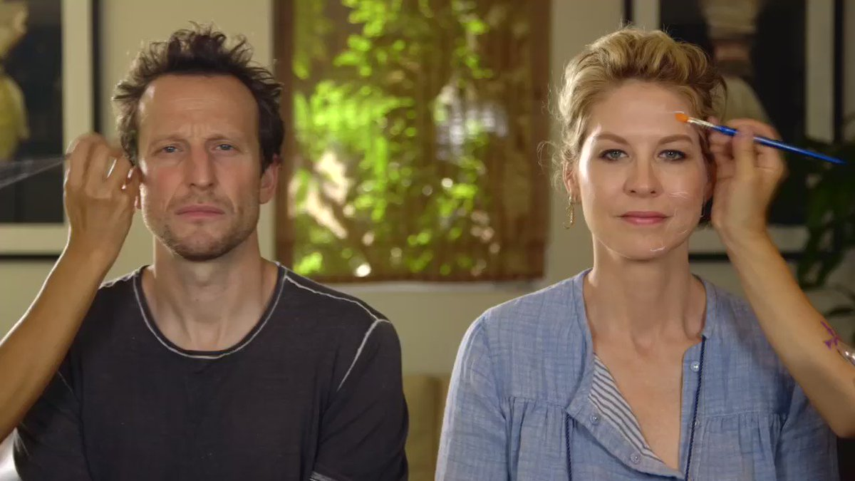 A message from me & @bodhielfman. RT & spread the #PeaceNow https://t.co/JyoVMIf1qL
