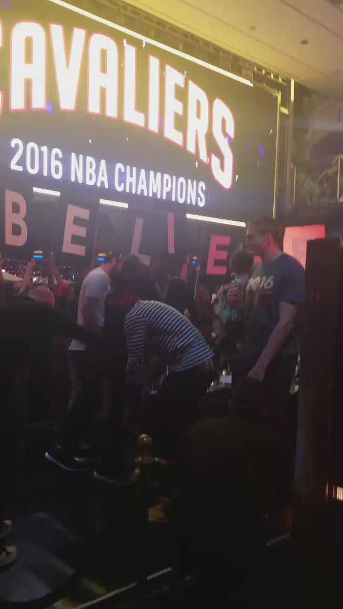 And the Champs have made it to @XSlasvegas. What up @cavs! #NBAFinals https://t.co/SG7mpAaaeP