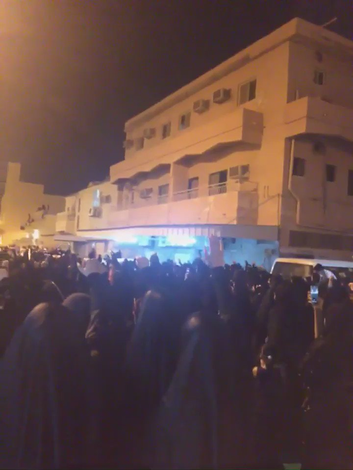 Outrage & anger in #Bahrain tonight after top Shi'ite cleric has citizenship revoked as part of growing escalation https://t.co/d2iKLCOoVU
