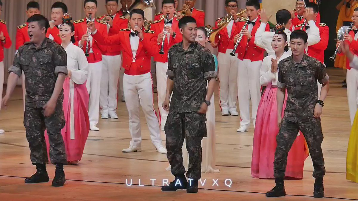 Does this dance remind anyone else of Wonder Boy? ㅋㅋ gif cr: UltraTVXQ https://t.co/fy9v4IM4oL