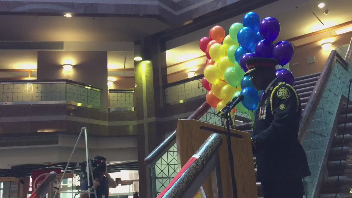 """WATCH: Chief Mark Saunders says the #Toronto Police Service """"expresses regret"""" over the 1981 gay bath house raids. https://t.co/GocHo3JxQD"""