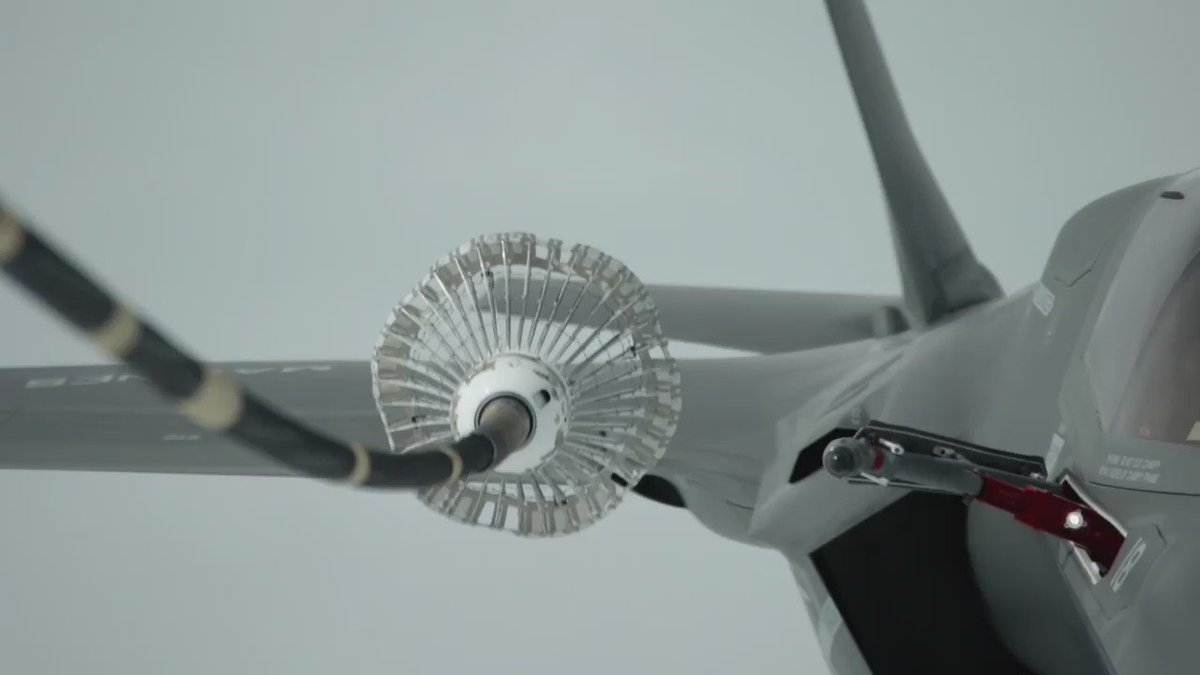 B-Roll of F-35B making first transatlantic flight WATCH: https://t.co/Wu8ggNmLwD https://t.co/ZwFxxFVoXV